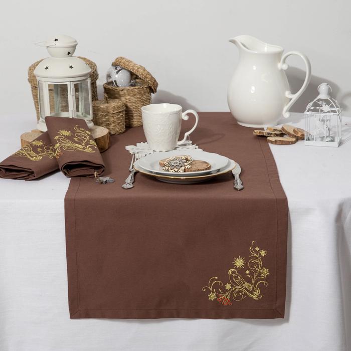 """Дорожка на стол """"Этель"""" Снегири, 140х40 цвет шоколад, с ВМГО хл, 200 гр/м²"""