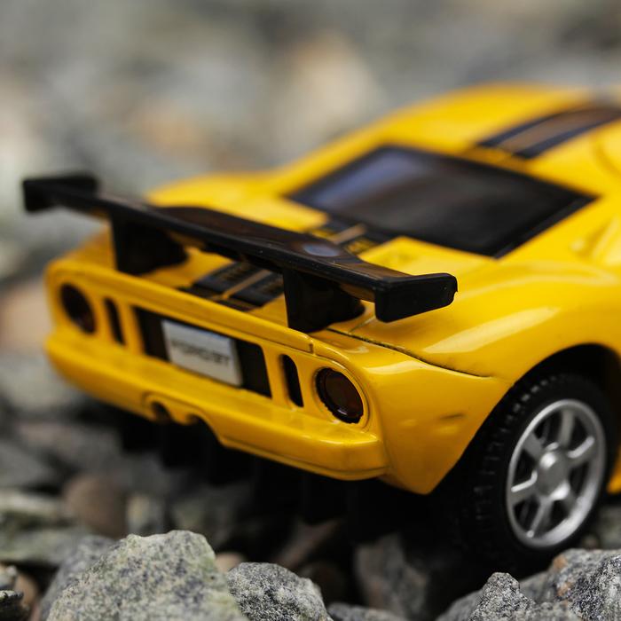 Машина металлическая Ford GT, масштаб 1:40, открываются двери, инерция, желтая