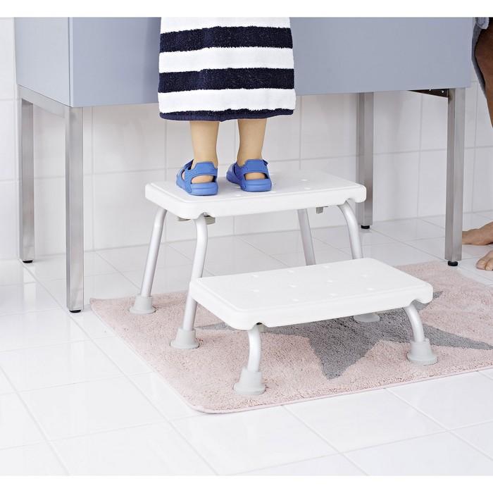 Скамейка для входа в ванну двухступенчатая