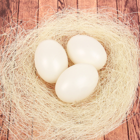 A set of eggs for decorating, 3 PCs in a nest, color is white