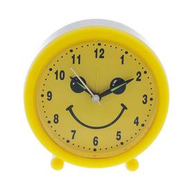"""Будильник """"Смайл"""", круглый, желтый, 10.5х11 см микс"""