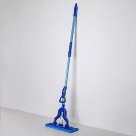 Швабра плоская со складным отжимом Доляна, телескопическая ручка 102-134 см, насадка микрофибра 32×9 см, цвет синий - фото 4647039