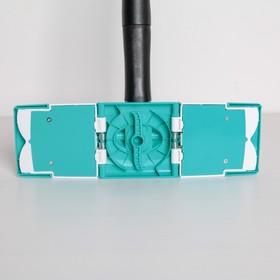 Швабра плоская с отжимом Доляна «Twist», телескопическая ручка 95-120, насадка микрофибра 32×9 см, цвет синий - фото 4647059