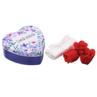 """Набор """"Самой нежной"""": 5 мыльных лепестков и полотенце в шкатулке"""