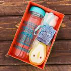 Набор «Восхищать»: бутылка для воды 500 мл, полотенце 30 см × 30 см, мыло