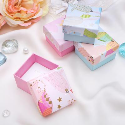 """Коробочка подарочная под серьги """"Бабочка в тюльпанах"""", 5*5, цвет МИКС, вставка белая"""