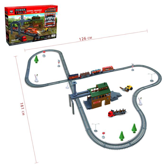 Железная дорога «Лесопилка» работает от батарек, длина пути 4,5 м.