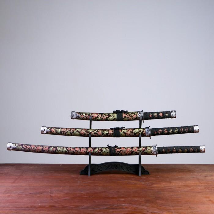 Сувенирное оружие «Катаны на подставке», чёрные ножны с узорами