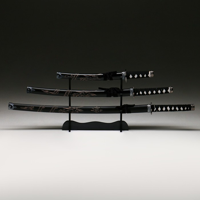 Сувенирное оружие «Катаны на подставке», чёрные ножны с резным драконом