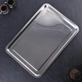 Tray, 50 × 35 × 2 cm.