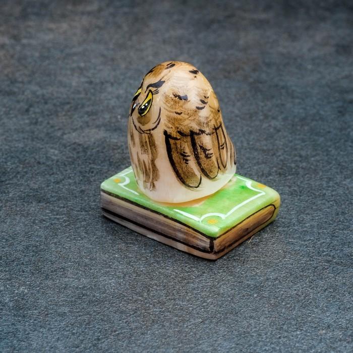 Сувенир «Совенок на книге», 3,5×5 см, селенит