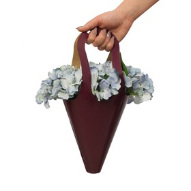 Pack–cone with paper handles With love, 15 × 38 cm