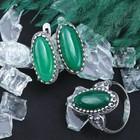 """Гарнитур посеребрение 2 предмета: серьги, кольцо, овал узкий """"Агат зелёный"""", 19 р-р"""