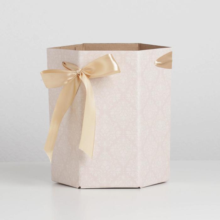 Коробка складная шестригранник «Классический узор», 17 х 14,8 х 19,5 см