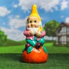 """Садовая фигура """"Гном на апельсине"""" глянец розово-желтый"""