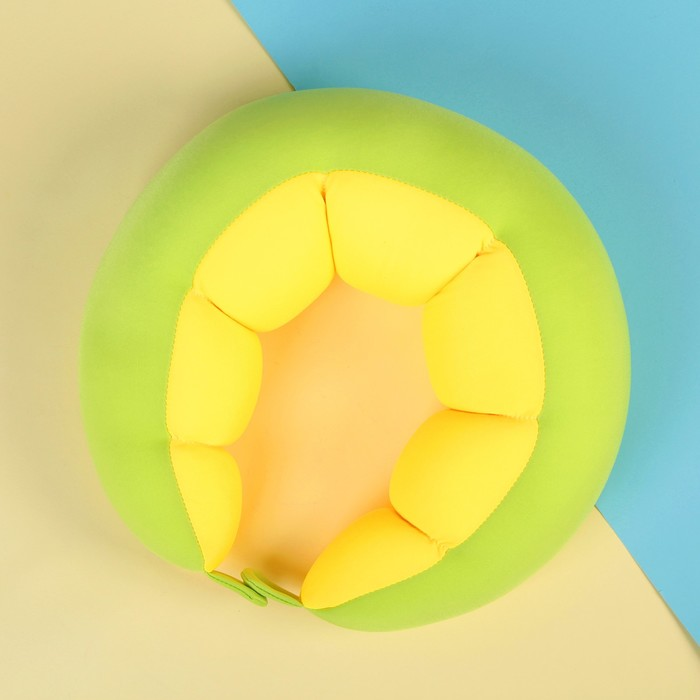Антистресс-подголовник на застёжке, цвет зелёный