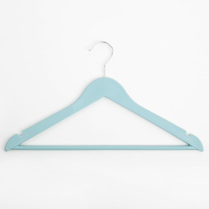 Вешалка-плечики с антискользящей перекладиной 43х25 см, цвет голубой
