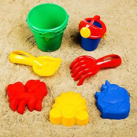 Набор для игры в песке, 3 формочки, лейка 0,35 л, совок, грабли, ведро, цвета МИКС