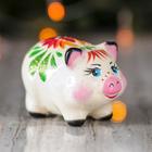 "Сувенир ""Свинка малышка"", 6 х 8,5 см, цветы"