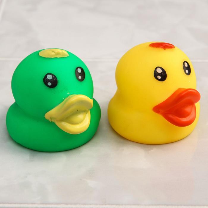 Набор игрушек для ванны «Уточки», 2 шт., цвета МИКС