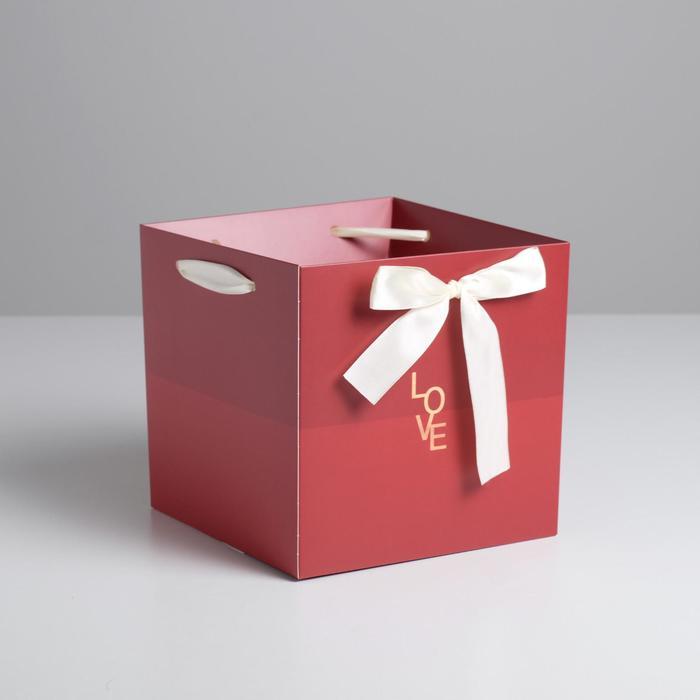Пакет–коробка с лентами Love, 39 × 36 см