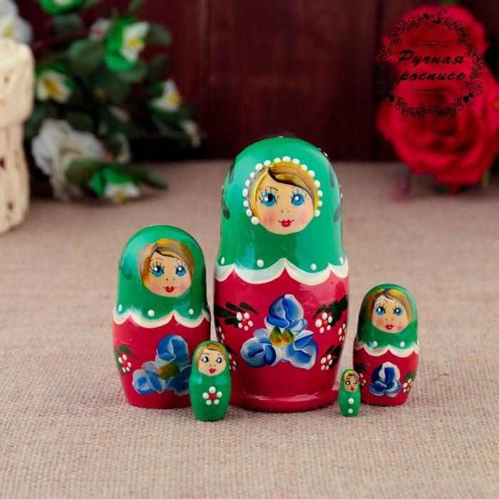 Матрёшка «Синие цветочки», зелёный платок, красное платье, 5 кукольная, 10 см