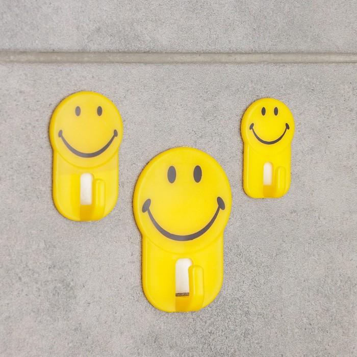 "A set of hooks on the Velcro ""Emoticons"", 3 PCs"