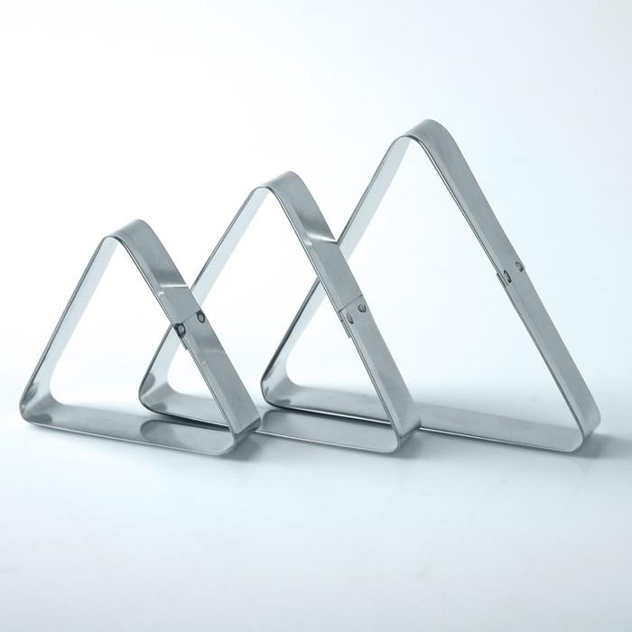 """Набор форм для вырезания из жести """"Треугольник"""", 7 х 5 х 2 см, 3 шт."""