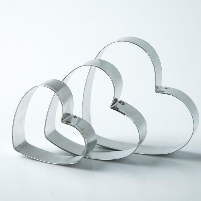 """Набор форм для вырезания из жести """"Сердце"""", 6 х 7 х 2 см, 3 шт."""
