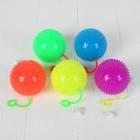 """Мяч световой """"Однотонный"""" на резинке с пищалкой, цвета МИКС"""