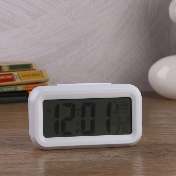Электронные часы-будильник, подсветка, бат. 3AAA, дата, температура, белый, 4.5х8х14 см