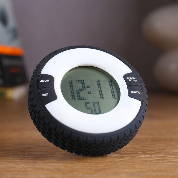 """Часы-будильник электронные """"Шина"""", с секундомером, обратный отсчёт, серые, 8х2.5 см"""