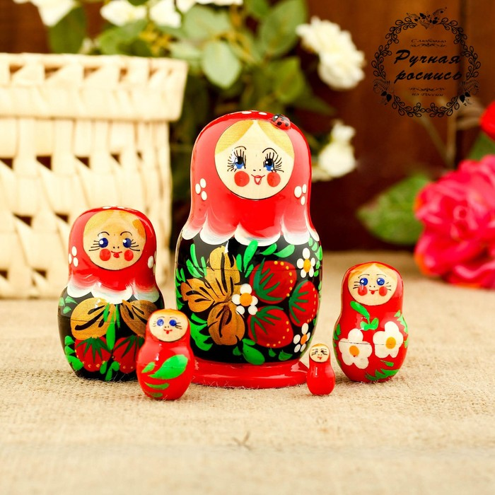 Матрёшка «Божья коровка», красное платье, 5 кукольная, 9-11 см