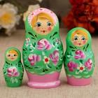 Матрёшка «Розочки», зелёное платье, 3 кукольная, 9 см
