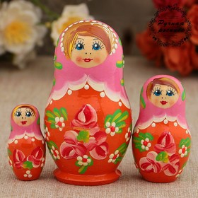 Матрёшка «Розовые цветочки», розовый платок, 3 кукольная, 9 см
