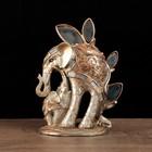"""Сувенир полистоун """"Слон на длинных ногах у зеркального дерева со слонёнком"""" 23х18х10,4 см"""