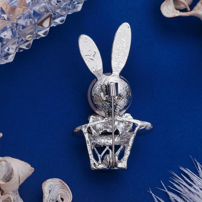 """Брошь """"Кролик пасхальный"""" в шляпе, цвет белый в серебре - фото 298286439"""