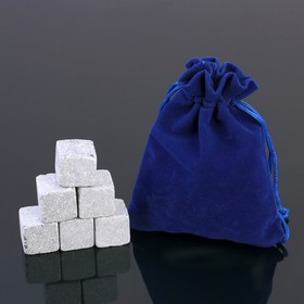 A set of whisky stones, 6 PCs in velvet pouch