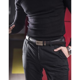 Ремень мужской, гладкий, пряжка - автомат тёмный металл, ширина - 3 см, цвет чёрный