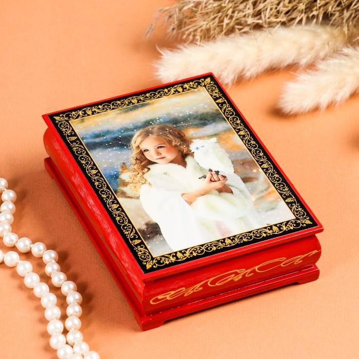 Шкатулка «Девочка с совой», красная, 10×14 см, лаковая миниатюра