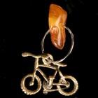 """Брелок-талисман """"Велосипед"""", натуральный янтарь"""