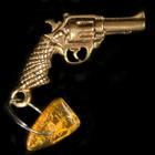 """Брелок-талисман """"Револьвер"""", натуральный янтарь"""