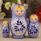 Матрёшка «Поднос с цветами», фиолетовое платье, 3 кукольная, 9 см