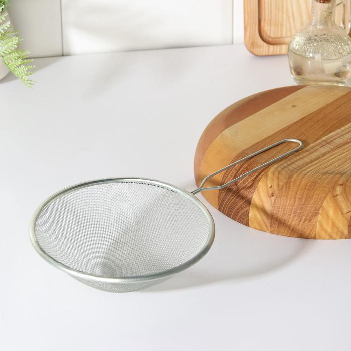 """Sieve 16 cm """"Assistant"""", with handle"""