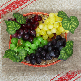 Artificial grapes (46 berries, frosted, color mix)
