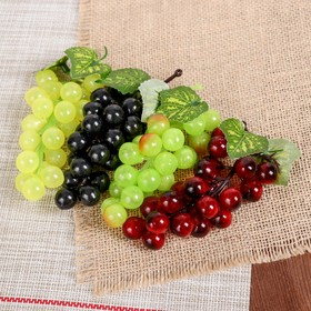 Artificial grapes, 22 berries, glossy, mix