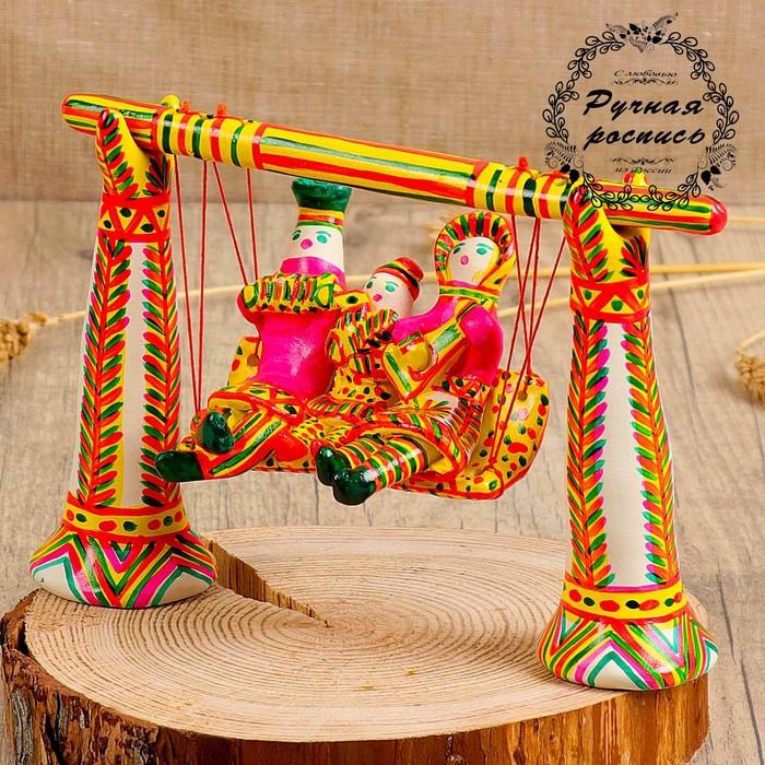 Филимоновская игрушка «Семья на качелях»