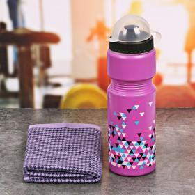 Набор «Треугольники»: бутылка для воды 800 мл, полотенце 30 см × 30 см, чехол