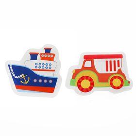 "A set of bath toys with Squeaker ""Ship and car"", 2 PCs."