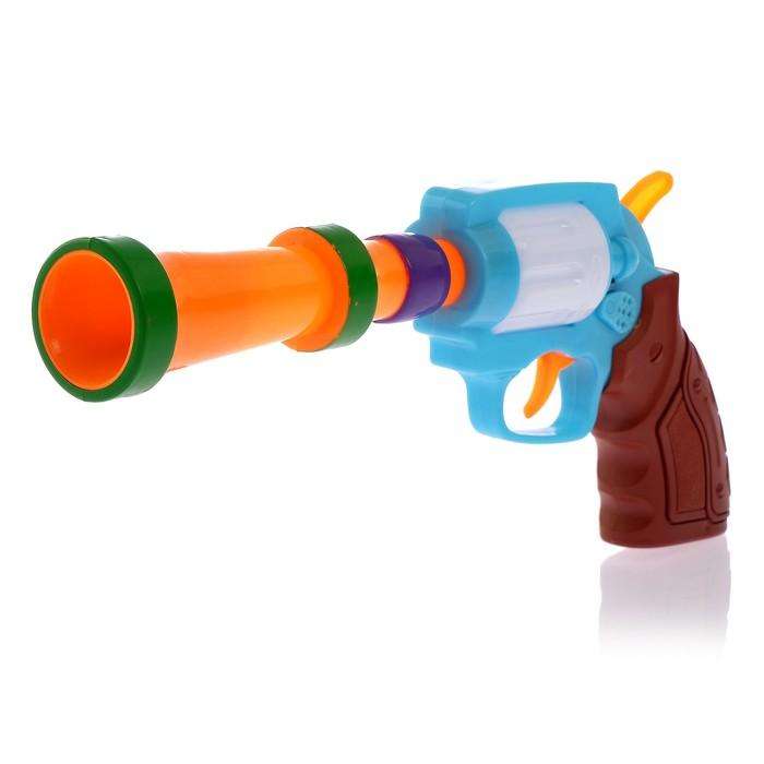 Пистолет работает от батареек, со световыми и звуковыми эффектами